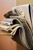Jornais e compartimentos fotografia de stock royalty free