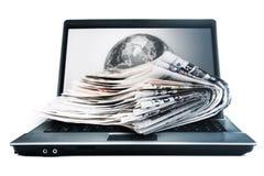 Jornais em linha globais Fotografia de Stock