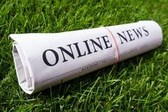 Jornal em linha da notícia Imagem de Stock