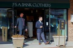 Jos A Homens dos Clothiers do banco foto de stock