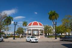 Jose Marti Park den huvudsakliga fyrkanten av Cienfuegos, Kuba arkivfoton