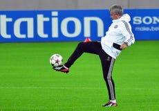 Jose Mourinho durante o treinamento oficial da liga de campeões de UEFA Fotografia de Stock Royalty Free