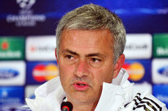 Jose Mourinho durante rueda de prensa de la liga de la UEFA Cheampions Foto de archivo libre de regalías