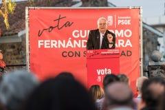 Josep Borrell, PSOE-kandidaat in de Europese verkiezingen, tijdens zijn die toespraak op de vergadering in Caceres wordt gehouden royalty-vrije stock foto's