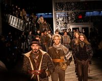 Joseph Abboud Mens Fall modeshow 2019 som delen av New York Fashion Week royaltyfri foto