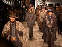 Joseph Abboud Mens Fall modeshow 2019 som delen av New York Fashion Week arkivbilder