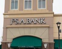 Joseph A Bankclothiers, N.v. is een detailhandelaar van de kleding van mensen stock foto's