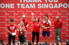 Joseph Schooling, el primer medallista de oro olímpico del Singapur, en su desfile de la victoria alrededor de Singapur 18 de ago Fotos de archivo libres de regalías