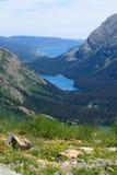 Josephine Lake och Grinell sjö över blick från Grinnell Glacie royaltyfri foto
