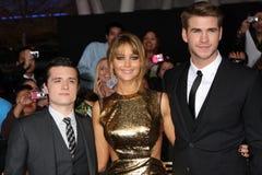 Josh Hutcherson, Jennifer Lorenzo, Liam Hemsworth imagen de archivo