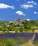 Joucas-Stadt in Provence Stockfotos
