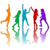 Jouer coloré de silhouettes d'enfants Photos libres de droits