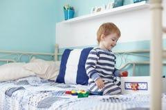 Jouer d'enfant en bas âge Image stock