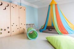 Jouer dans le jardin d'enfants Photographie stock
