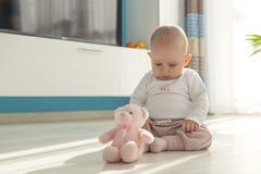 Jouer de bébé Photographie stock libre de droits