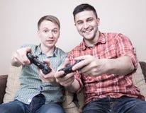 Jouer de deux types Photos libres de droits