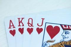 Jouer des cartes avec des coeurs Images libres de droits