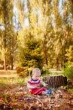Jouer doux de bébé garçon Photographie stock