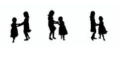 Jouer la silhouette d'enfants illustration libre de droits