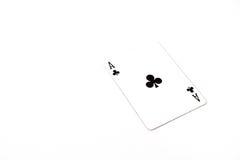 Jouer la taille horizantal de cartes as de trèfle sur le fond blanc, copyspace abrégé sur chance Images stock
