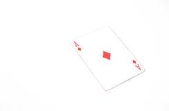 Jouer la taille horizontale de cartes as des diamants sur le fond blanc, copyspace abrégé sur chance Image stock