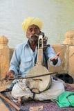 Jouer le sitar image libre de droits