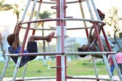 Jouer orphelin d'enfants Photographie stock libre de droits