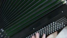 Jouer sur l'accordéon clips vidéos