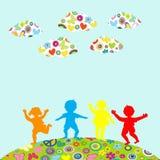 Jouer tiré par la main de silhouettes d'enfants extérieur Images stock