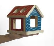 Jouet coloré en bois de maison photographie stock