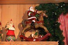 Jouet décoratif de décoration de Noël et de nouvelle année dans le rétro style Photographie stock