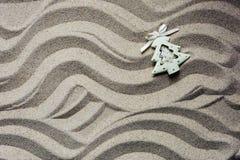 Jouet d'arbre de Noël en sable de plage image libre de droits