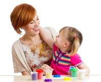 Jouet d'argile de jeu d'enfant et de mère Photos libres de droits