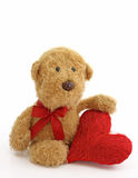 Jouet d'ours de nounours avec le coeur Image libre de droits