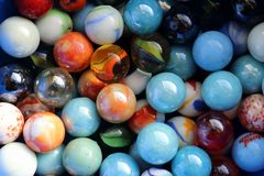 Jouet de marbre de taw pour des enfants image stock