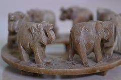 Jouet de marche d'éléphants images libres de droits