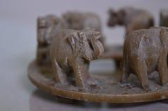 Jouet de marche d'éléphants photo stock