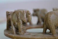 Jouet de marche d'éléphants photographie stock