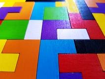 Jouet en bois coloré vif de blocs de plein cadre photos libres de droits