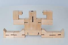 Jouet en bois de robot Photo libre de droits
