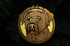 Jouet en bois sous forme de chien photo stock
