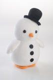 jouet ou pingouins faits main drôles de jouet sur le fond Images libres de droits