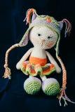 Jouet tricoté de chat Photo stock