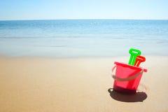 Jouets de la plage des enfants Photos stock