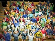 Jouets de miniature de foule du football Image stock