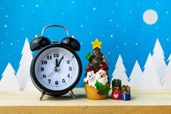 Jouets de montre et d'enfants pour la décoration de Noël Images stock
