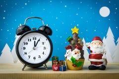 Jouets de montre et d'enfants pour la décoration de Noël Image stock