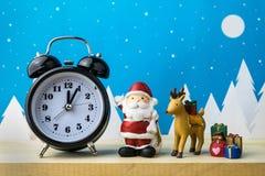 Jouets de montre et d'enfants pour la décoration de Noël Images libres de droits