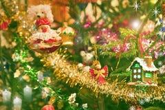Jouets de Noël avec la maison et l'ange Photographie stock libre de droits