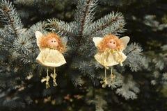 Jouets de Noël sous forme d'anges Photos stock